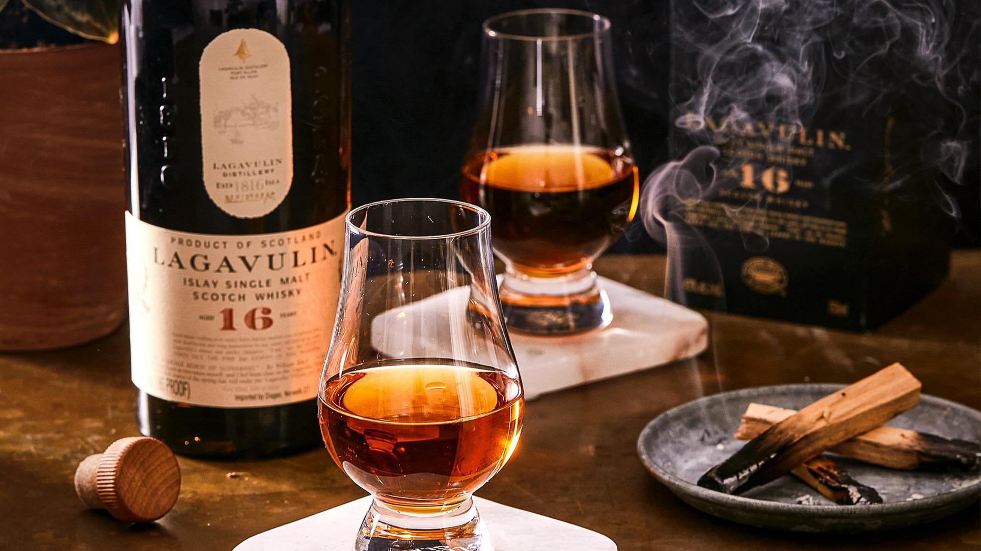 Rượu Lagavulin